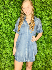 women's denim button-down shirt dress summer outfit | shop women's clothing clothes apparel gifts accessories online or in store at boerne la te da boutique | a favorite of locals and san antonio visitors too