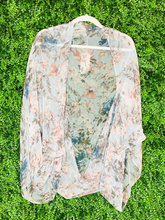 Load image into Gallery viewer, floral kimono top shirt blouse cover up | shop women's clothing clothes apparel gifts accessories online or in store at boerne la te da boutique | a favorite of locals and san antonio visitors too
