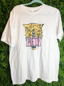 pretty cat tee shirt blouse top | shop women's clothing clothes apparel gifts accessories online or in store at boerne la te da boutique | a favorite of locals and san antonio visitors too