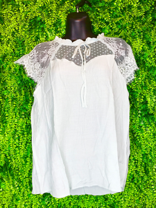 Sweetheart lace top | shop women's and girls' clothing clothes apparel gifts accessories jewelry online or in store at boerne la te da boutique | a favorite of locals and san antonio visitors too | best boerne boutiques