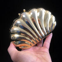 Load image into Gallery viewer, A 1980s GOLD METAL SHELL EVENING PURSE