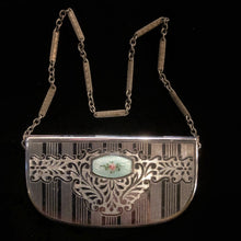Load image into Gallery viewer, A 1920s DECORATIVE COMPACT PURSE