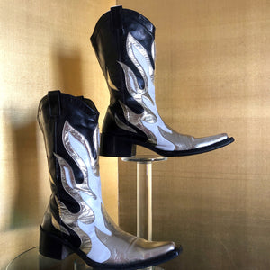 A PAIR OF EARLY 2000s RUNWAY BOOTS BY DSQUARED2
