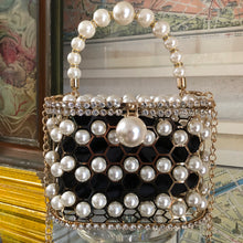 Load image into Gallery viewer, A HONEYCOMB PEARL BASKET BAG WITH RHINESTONE
