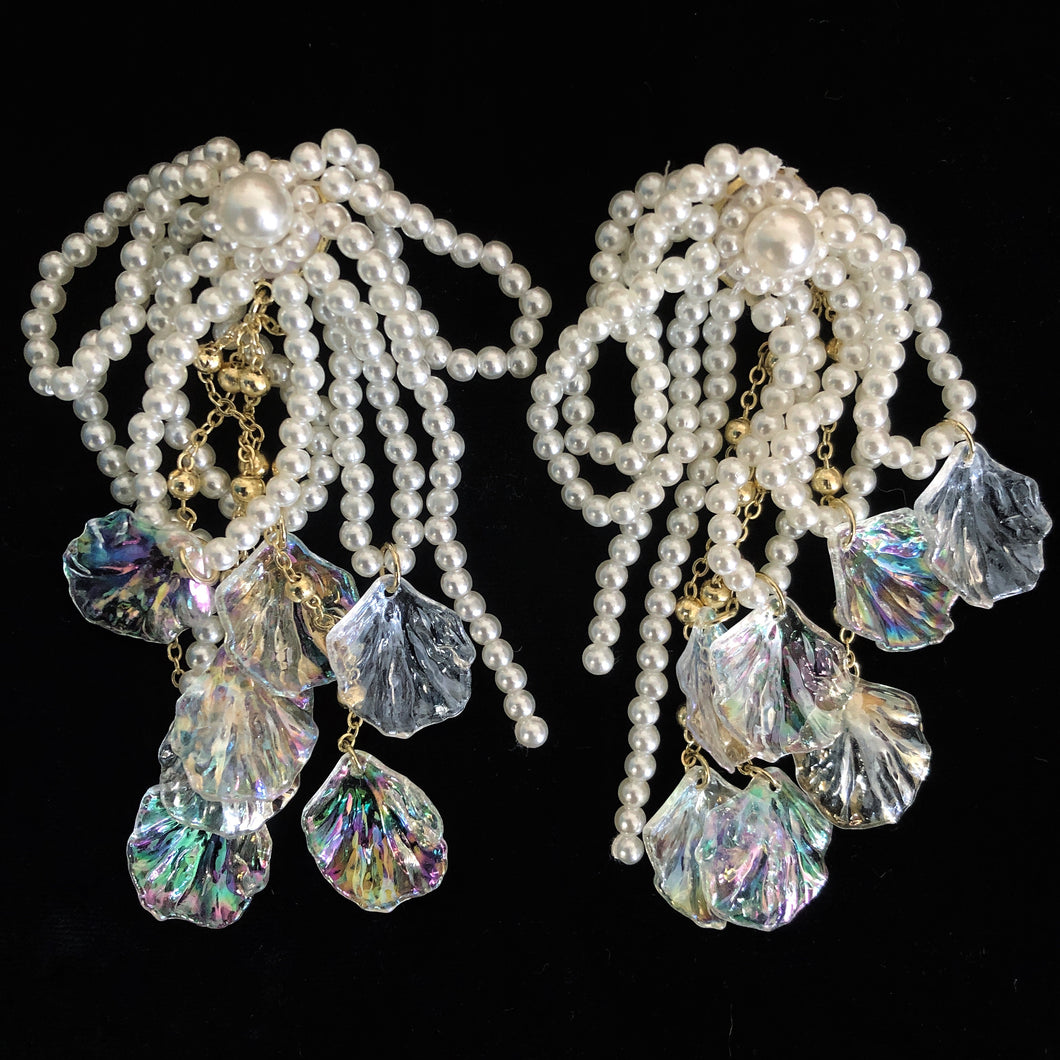 UNDER-THE-SEA ENCHANTED GOSSAMER PEARL EARRINGS