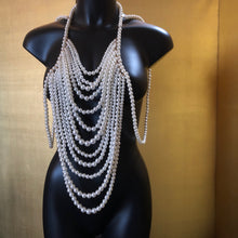 Load image into Gallery viewer, A LONG DRAPING PEARL NECKPIECE