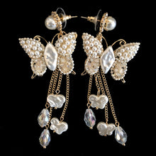 Load image into Gallery viewer, A PAIR OF ROMANTIC FAUX PEARL BUTTERFLY EARRINGS