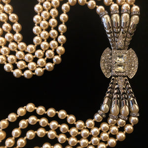 A QUALITY VINTAGE 80s EMPIRE STYLE PEARL NECKLACE