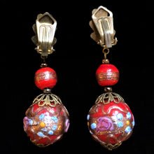 Load image into Gallery viewer, A PAIR OF 1940s ITALIAN GLASS DROP EARRINGS