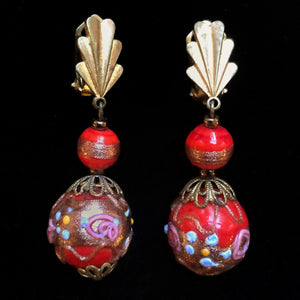 A PAIR OF 1940s ITALIAN GLASS DROP EARRINGS