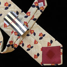 Load image into Gallery viewer, VINTAGE 1990s VALENTINO TIE WITH TULIPS