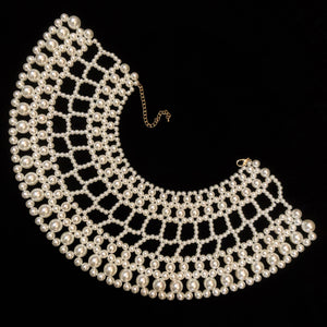 A PEARL LATTICE COLLAR