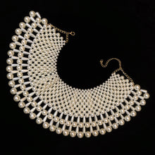 Load image into Gallery viewer, A PEARL COLLAR WITH TEARDROP PEARLS