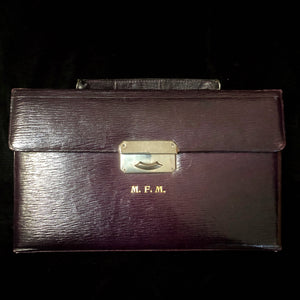 A STYLISH 1920s MENS VANITY CASE
