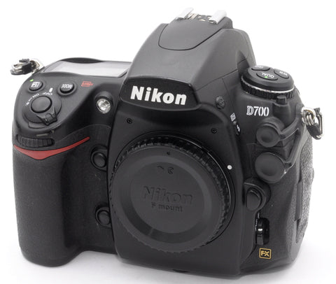 NIKON D700 FULL FRAME DSLR FX BODY, 31,000 ACTUATIONS, EXCELLENT