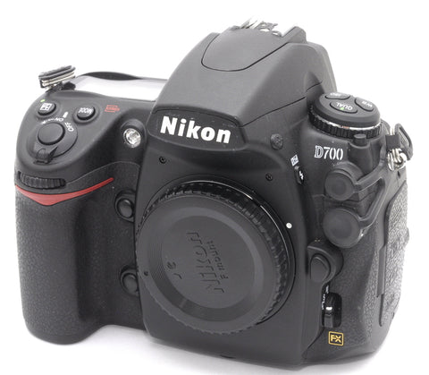 NIKON D700 FULL FRAME DSLR FX BODY, 7700 ACTUATIONS, NEAR MINT