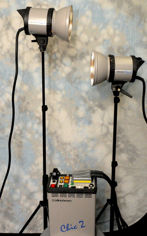 ELINCHROM CHIC 2 2400 W/S POWERPACK & 2 MINI A HEADS KIT WITH CASE, LIKE NEW