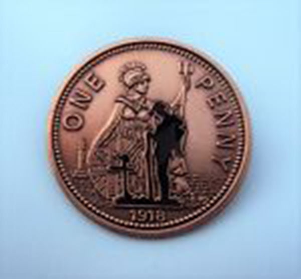 WWI Remembrance Soldier Penny Badge