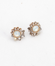 Load image into Gallery viewer, Amelia Crystal Post Earrings