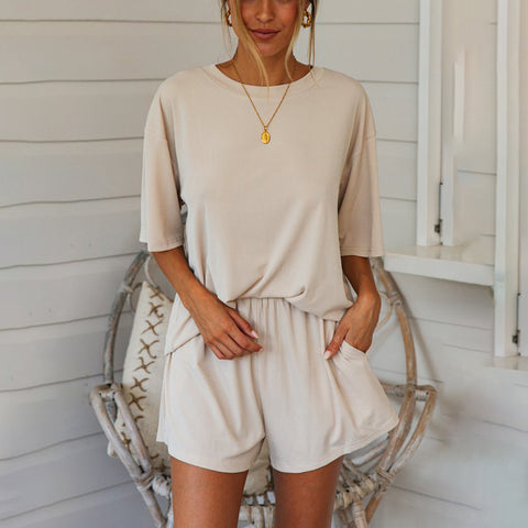Solid color loose T-shirt + shorts two-piece suit