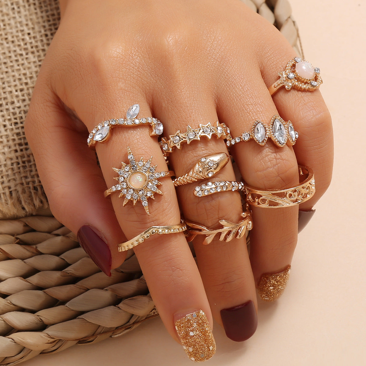 9-piece ring set with diamonds, carved leaves and branches