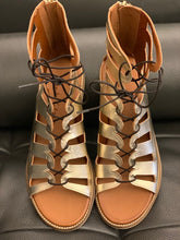 Afbeelding in Gallery-weergave laden, Manila Grace Sandals Gold