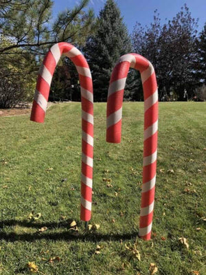 Decorating: DYI Candy cane pool noodles