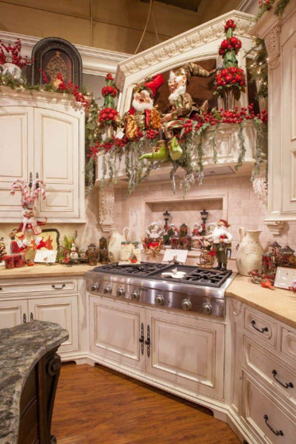 Decorating: How to Decorate Your Kitchen for the Christmas Season | Schmidt Christmas Market