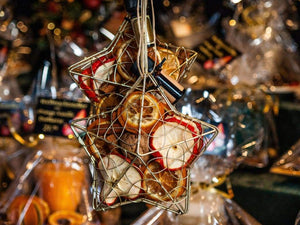 Decorating: How to Make Your Own Holiday Potpourri in Five Easy Steps
