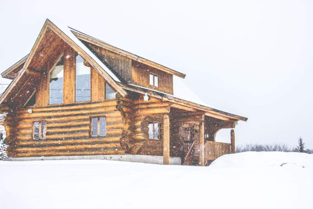 Decorating: Six Tips That Will Make Your Home a Cabin in the Woods Getaway This Christmas