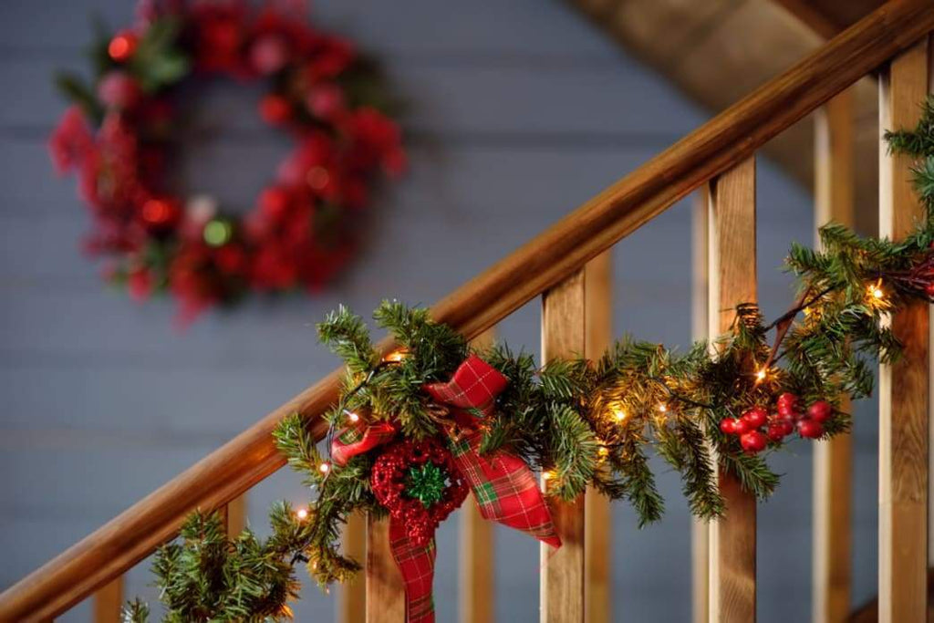 Decorating: The Right Way to Place Glass Ornaments and Hang Wreaths on the Wall