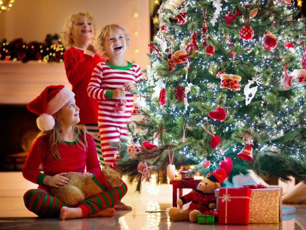Gifts: How to Plan, Choose, and Wrap Christmas Gifts for Children