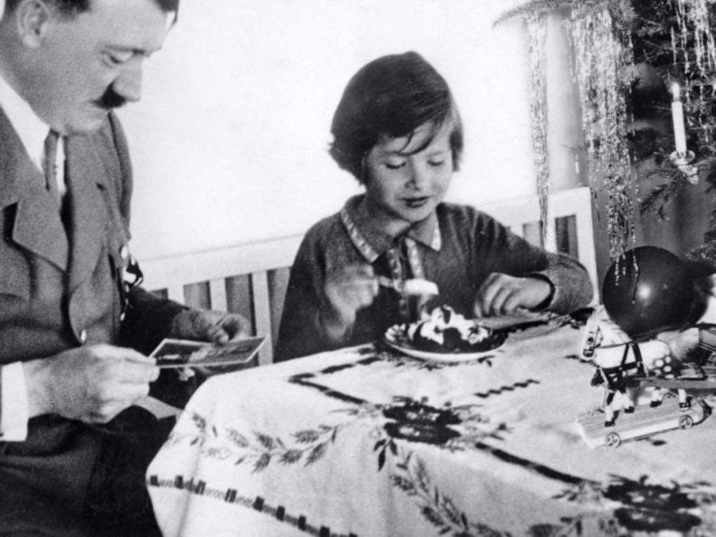 Literature: How the Nazis co-opted Christmas