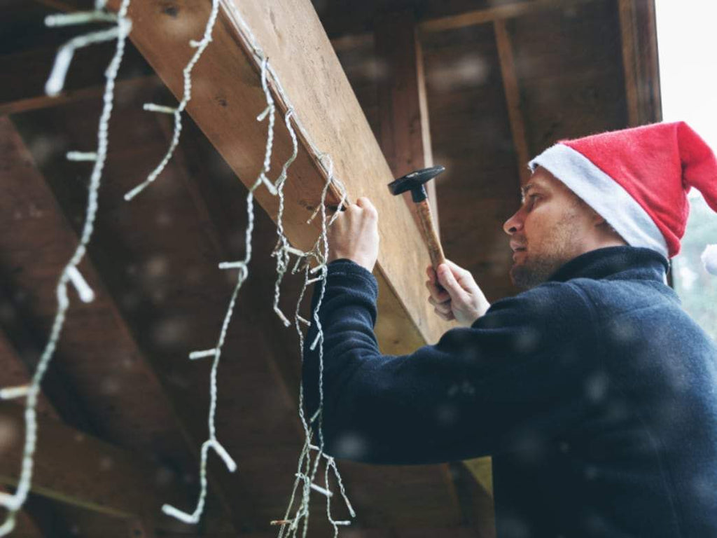 Decorating: How To Decorate the outside of your house for Christmas