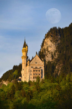 Travel: Make Schwangau, Neuschwangstein and Hohenschwangau a Stop on Your German Romantic Mile Christmas Vacation