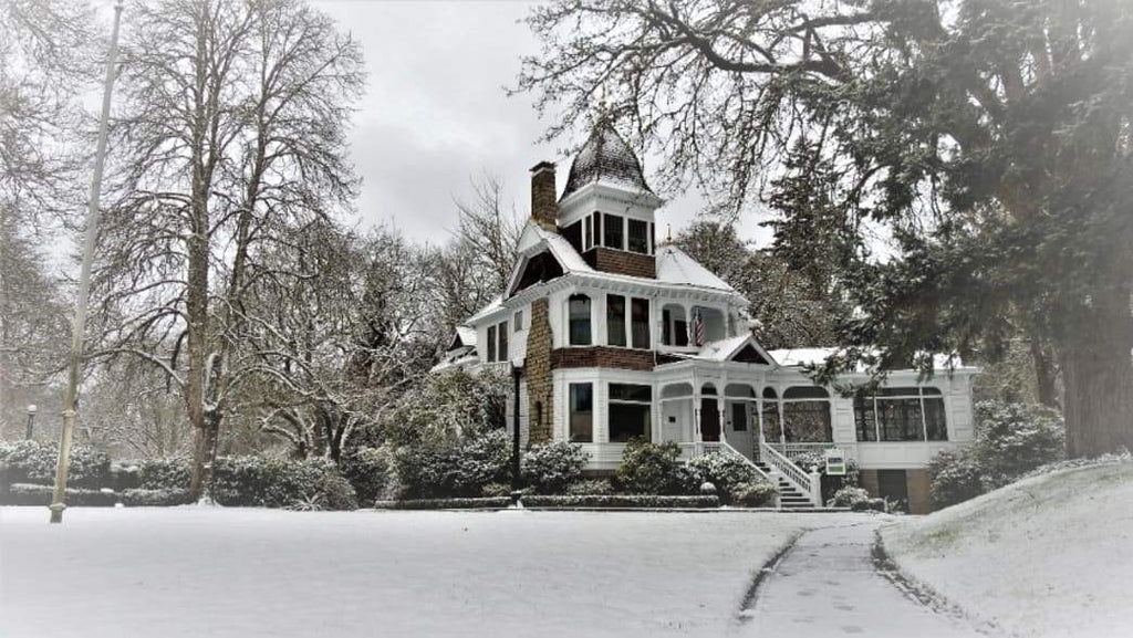 Travel: Spend an Awesome Christmas Vacation in Salem, Oregon
