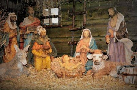 Nativity Scenes | Schmidt Christmas Market