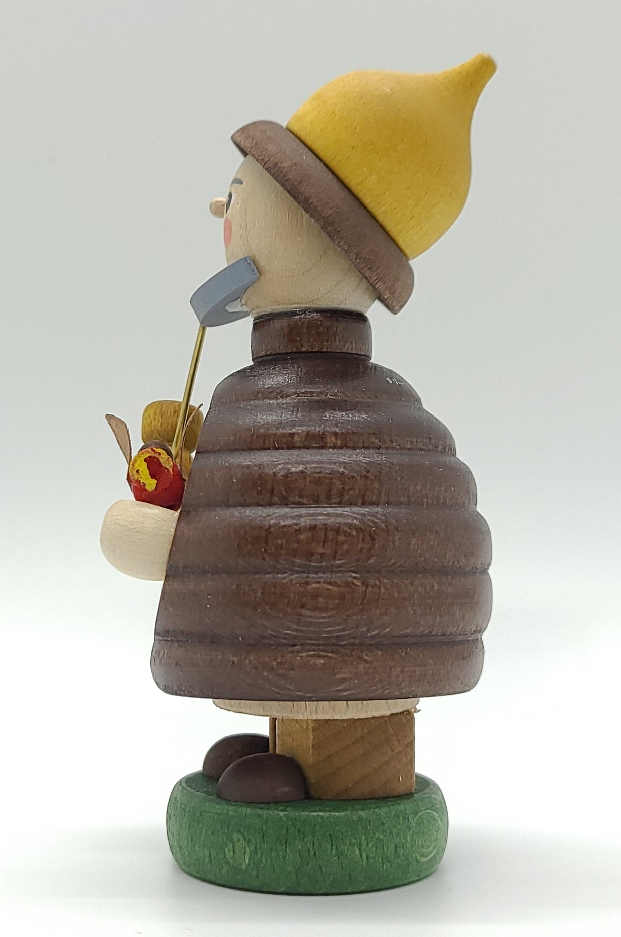 Mini smoker forest gnome with red bird