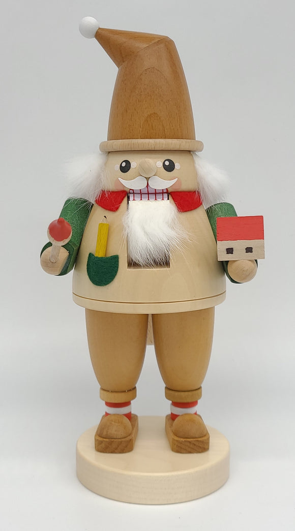Richard Glaesser 9inch Nutcracker dwarf with a brush from Seiffen in the Ore Mountains