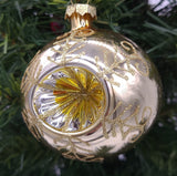 "Aztec Gold 2 5/8 ""Round Reflector na may Gold Crown Caps Ornament - Schmidt Christmas Market Christmas Decoration"