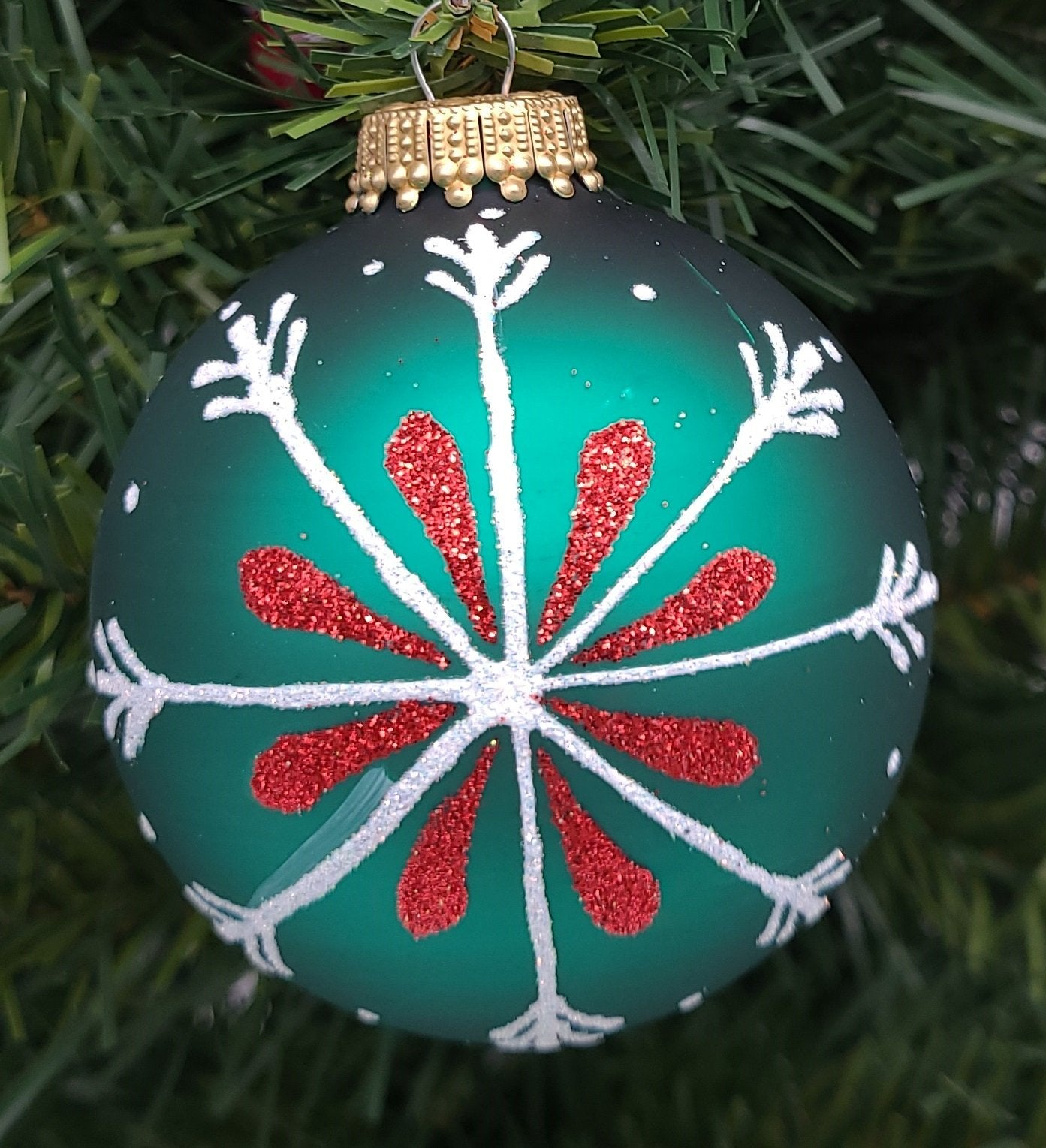 "Glass Classic 3"" Green Bauble with With Snowflake and Red Accents Ornament - Schmidt Christmas Market Christmas Decoration"