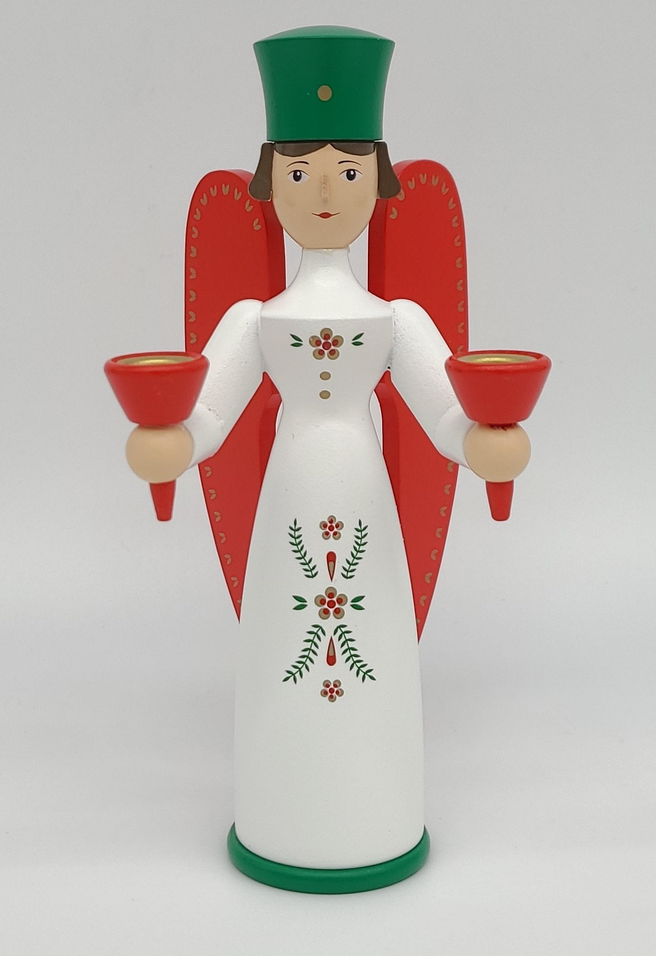 Handmade German Angel 6.3 pulgada na may-hawak ng kandila - Schmidt Christmas Market Christmas Decoration