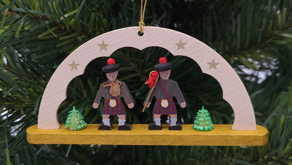 Handmade Hanging Arch with 2 Scotsmen Ornament - Schmidt Christmas Market Christmas Decoration