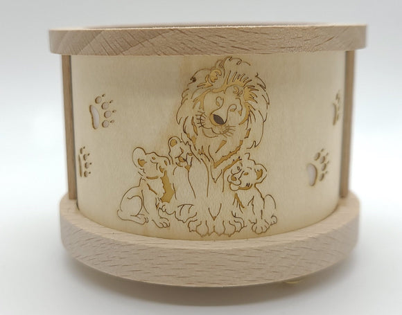 Handmade Tealight lantern with Lion and Cubs - Schmidt Christmas Market Christmas Decoration