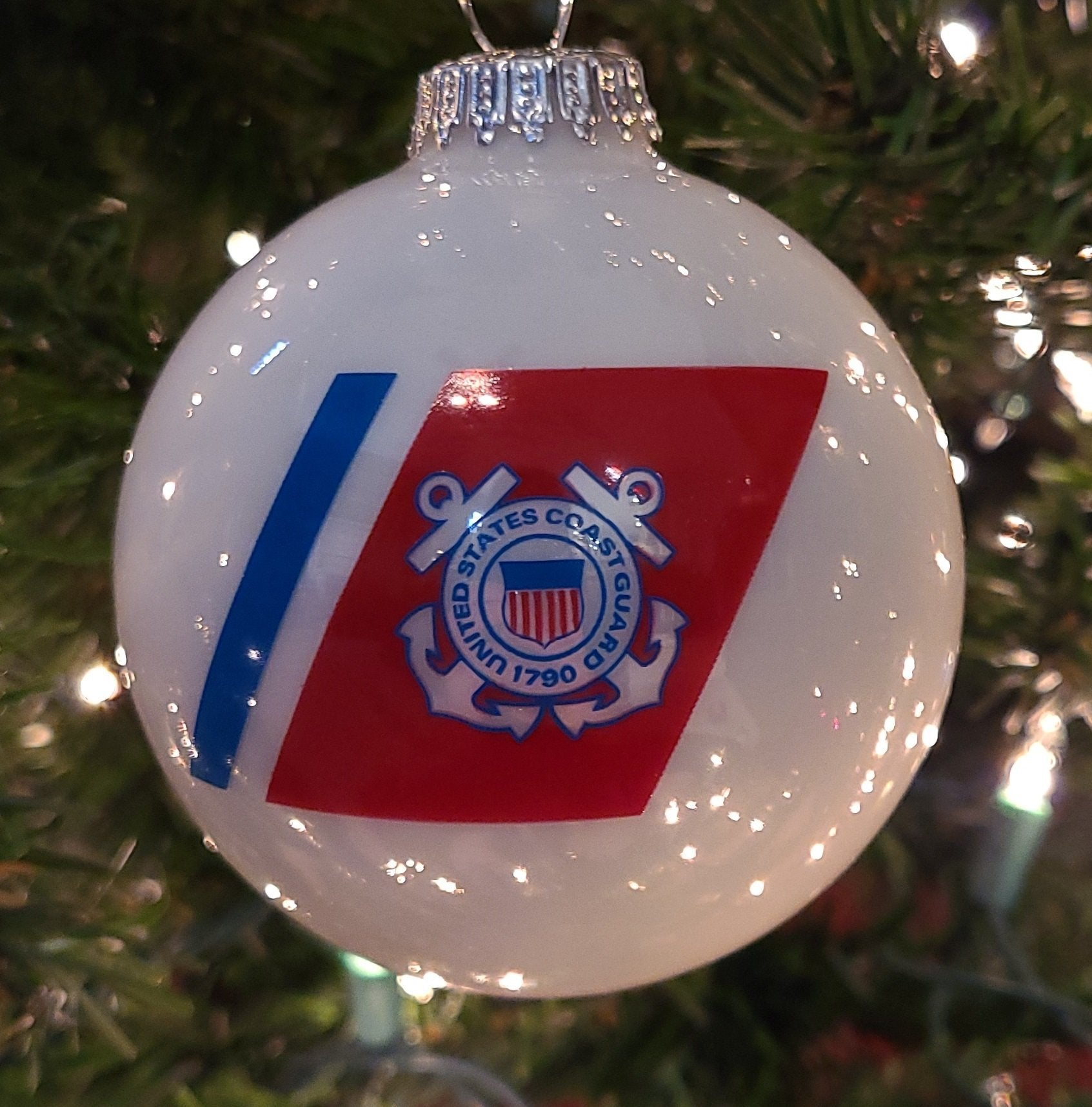 "Porcelain White 3 1/4"" Ball with US Coast Guard Logo and Hymn - Schmidt Christmas Market Christmas Decoration"