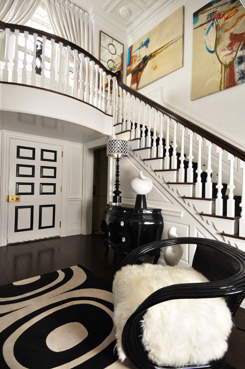 A STUDY IN CONTRAST - DECORATING WITH BLACK AND WHITE