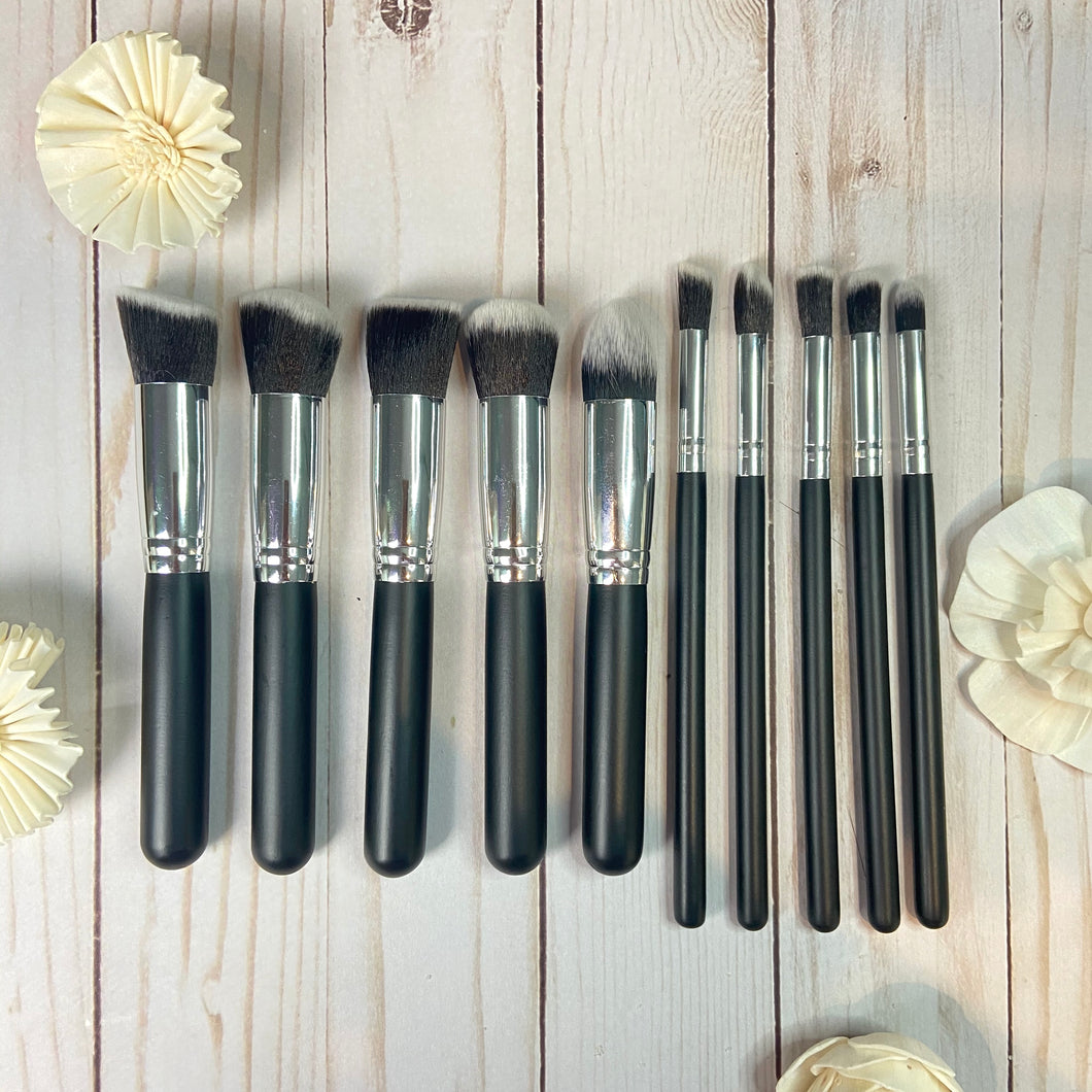 Pack of 10 Makeup Brushes (Black & Silver)