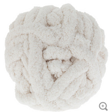 Load image into Gallery viewer, Ivory Chunky Knit Yarn