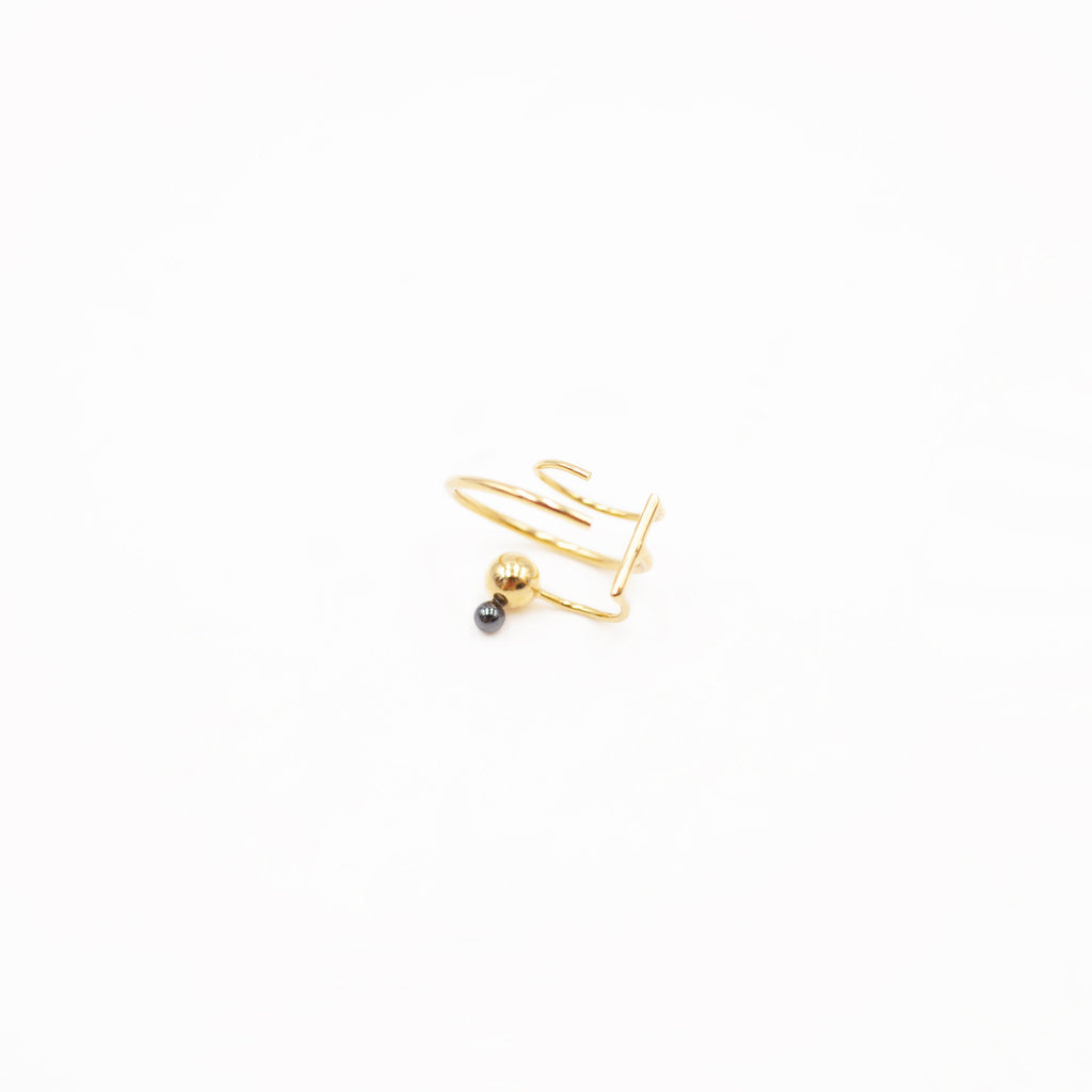 Galatee Hematite Earcuff Yellow Gold Plated