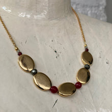 Load image into Gallery viewer, Madame Annie Gold Bead Necklace